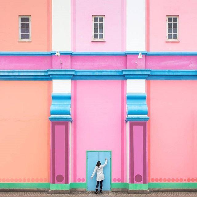 【話題】インスタグラムで世界中の建物と遊ぶカップルが魅せる世界