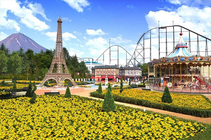 青空と富士山にイエローの花畑が映える富士山麓の「リサとガスパール タウン」へ行こう