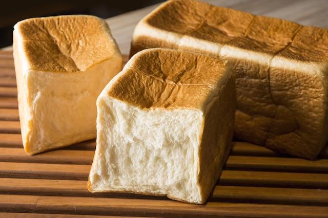 「純生」食パン
