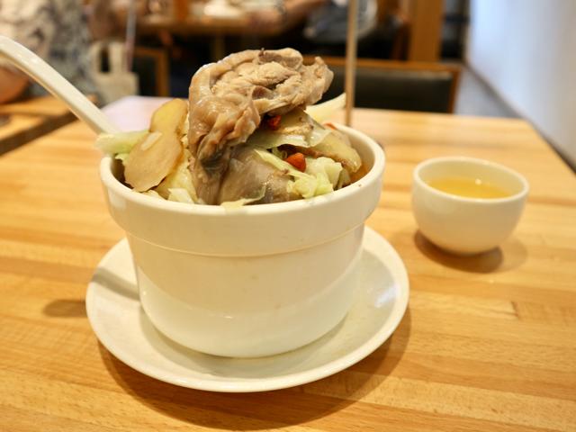 麻油燉雞湯