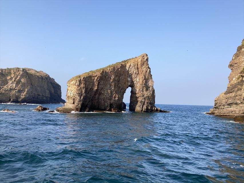 辰の島クルーズ マンモス岩