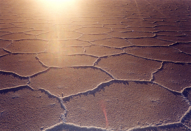 乾期のウユニ塩湖