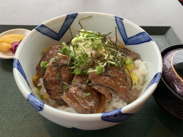 休暇村帝釈峡の「比婆牛ステーキ丼」