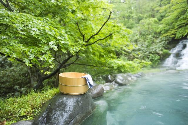 どこまでも広がる景色を独り占め!開放感あふれる自然型・天然温泉5選