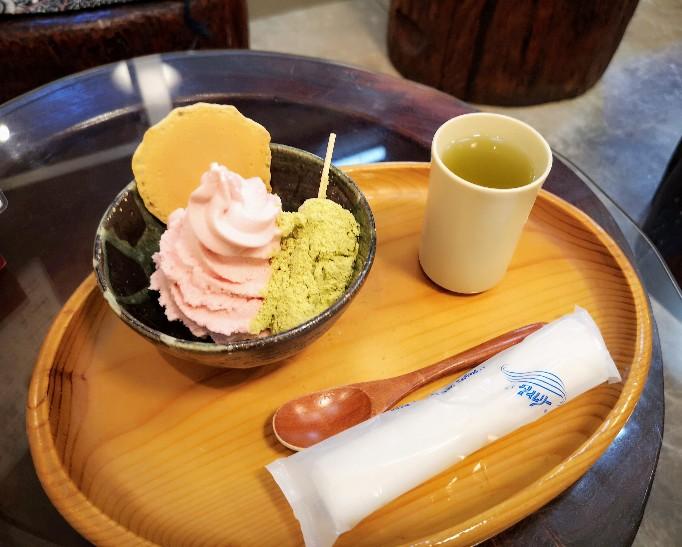三井寺力餅本家 力餅ソフトクリームイートイン
