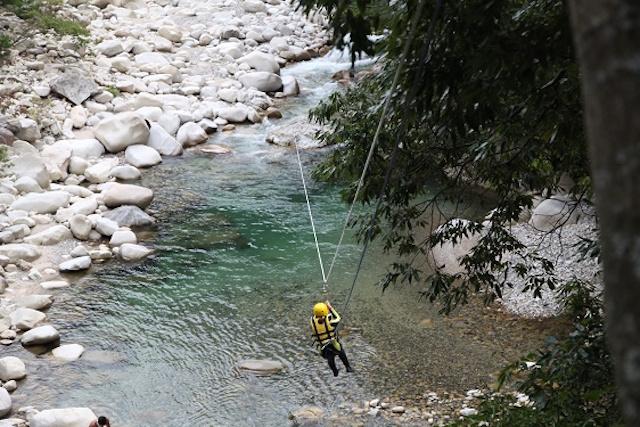 この夏は渓流で大人ワイルな遊びキャニオリングに挑戦!